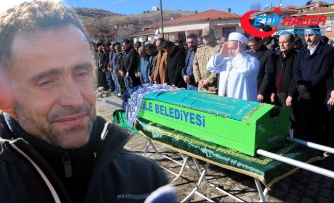 Ampute Milli Takım kaptanı Osman Çakmak'ın annesi son yolculuğuna uğurlandı