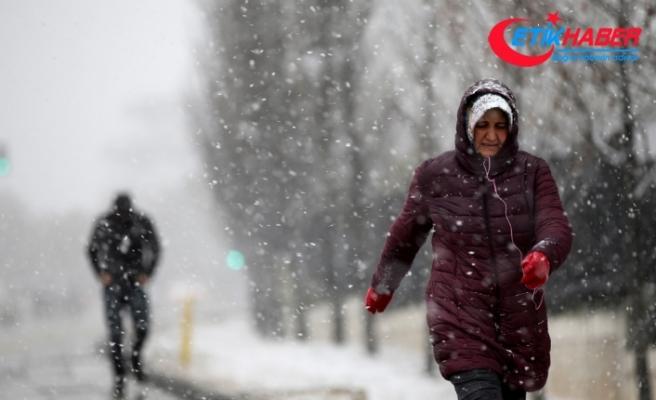Başkentte kar etkili oldu