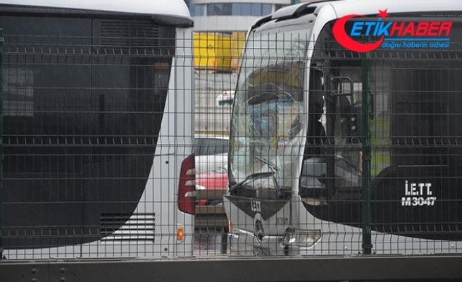 Beylikdüzü'ne giden metrobüsler çarpıştı; 1 yaralı