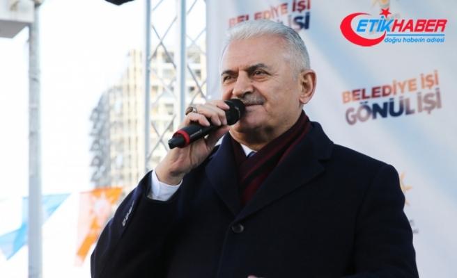 Binali Yıldırım, Zeytinburnu'nda halka hitap etti