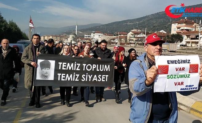 Bir grup CHP'linin Ankara'ya yürüyüşü sürüyor