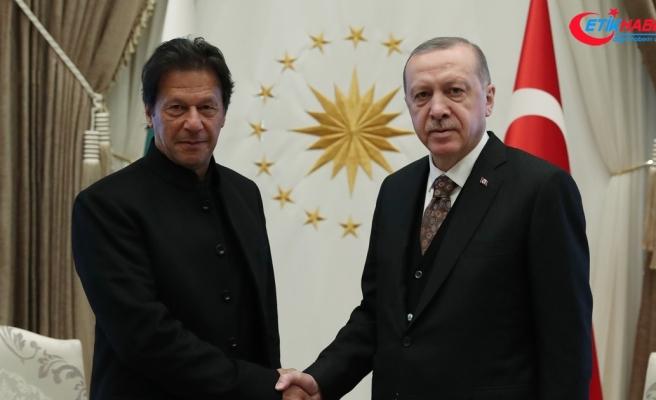 Cumhurbaşkanı Erdoğan, Pakistan Başbakanı Han görüştü
