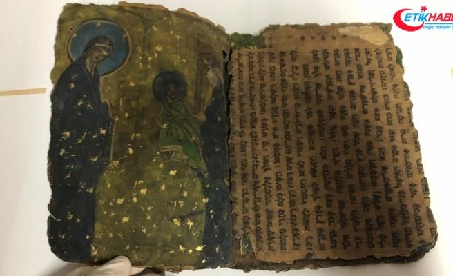 Diyarbakır'da 800 yıllık İbranice kitap ele geçirildi