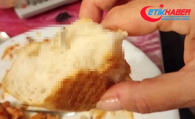Ekmeğin içinden çıkan cisim şoke etti: Tam 10 santim