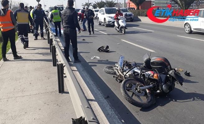 Hafriyat kamyonunun altında kalan motosikletli öldü