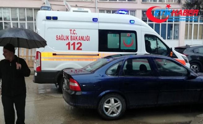 Hastanın ölümü sonrası ambulansın giremediği sokaktaki araçlara ceza yazıldı