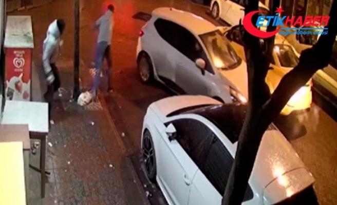 Hırsızların kaçarken düşürdüklerini yoldan geçenler aldı