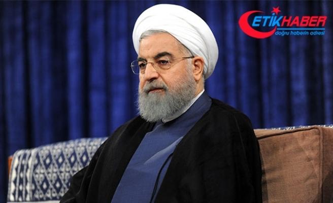 """Ruhani'den Fransa'ya """"nükleer anlaşmadaki tarihi rolü için az zaman kaldığı"""" uyarısı"""