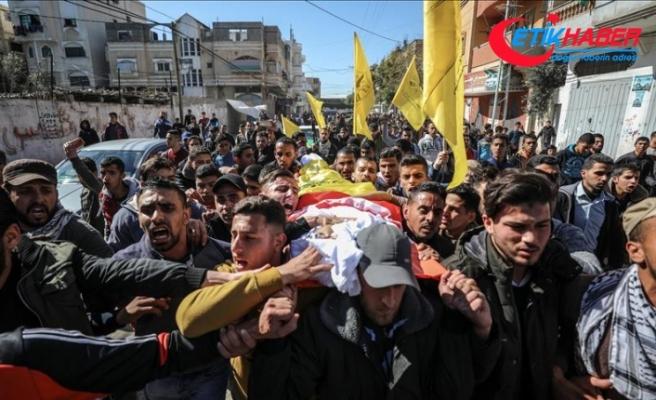 İsrail askerlerinin şehit ettiği Filistinli çocuk toprağa verildi