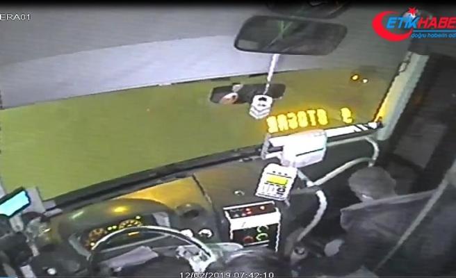 'Kahraman şoför' bu kez kalp krizi geçiren yolcuyu kurtardı