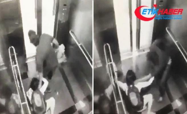 Malezya polisi, bir kadını asansörde ölümüne darp eden bu hırsızı arıyor
