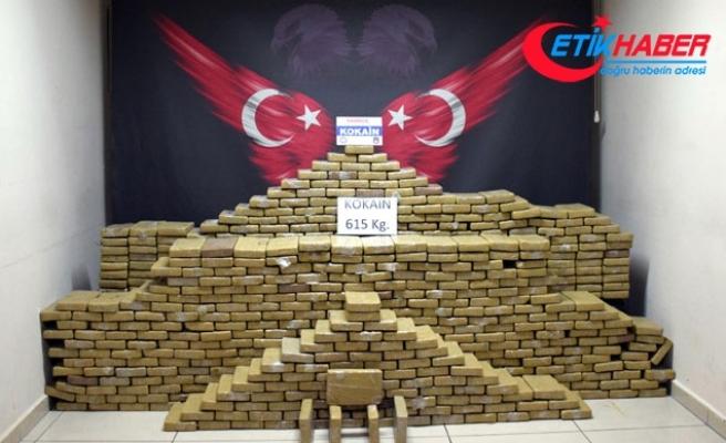 Mersin'e gelen gemideki muz yüklü konteynerde 615 kilo kokain ele geçirildi