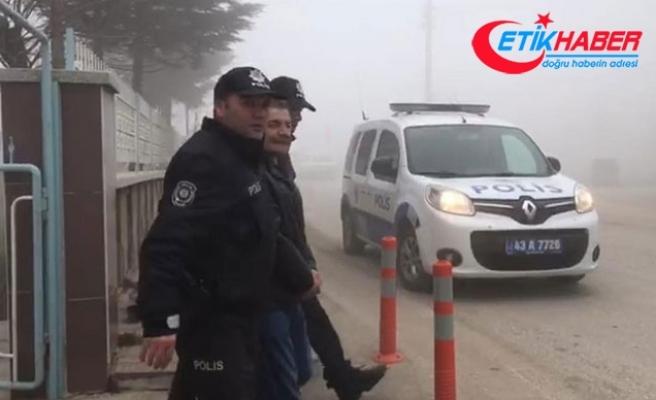 Polis, otobüse 'yolcu' olarak bindi, aranan şüpheliyi yakaladı