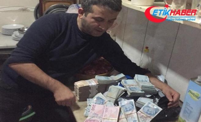 Siparişlerin bulunduğu kolilerden 300 bin lira çıktı