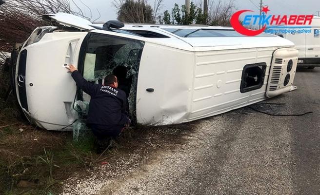 Şoförün kalp krizi geçirdiği öğrenci servisi devrildi: 1 ölü, 3 yaralı