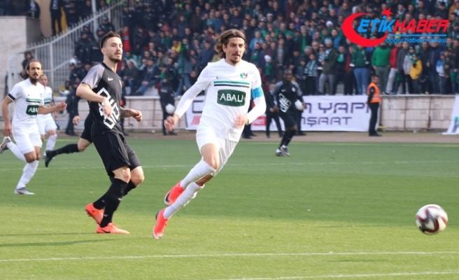 Spor Toto 1. Lig'de şampiyonluk yarışı nefes kesiyor