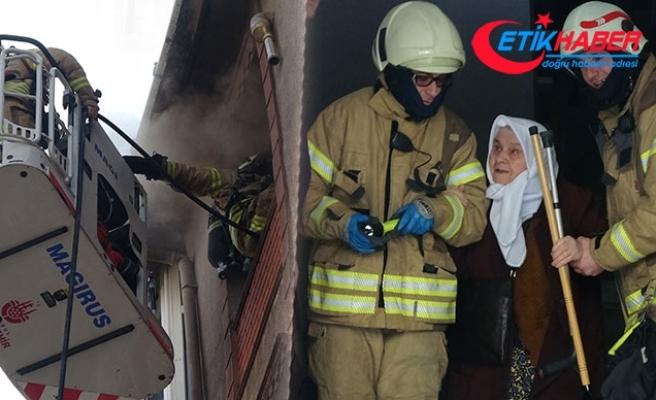 Sultangazi'de çocuklar oyun oynarken yangın çıkardı; korku dolu anlar yaşandı