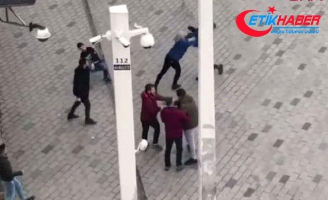 Taksim'de turistlerle tur otobüsü çalışanları birbirine girdi