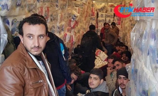Tuvalet kağıtları arasında '33 kaçak göçmen' yakalandı