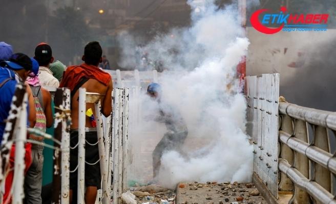 Venezuela sınırındaki çatışmalarda 4 kişinin öldüğü iddia edildi