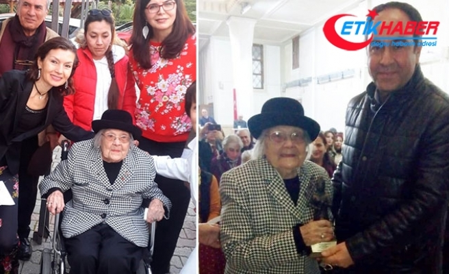 105 yaşındaki Sümerolog Muazzez İlmiye Çığ'a Puduhepa Ödülü