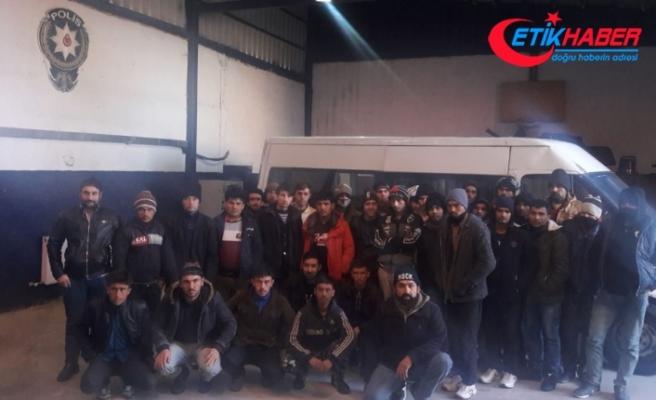 15 kişilik minibüsten 39 kaçak göçmen çıktı