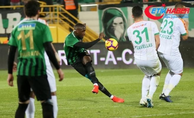 Akhisarspor evinde 3 puanı 3 golle aldı