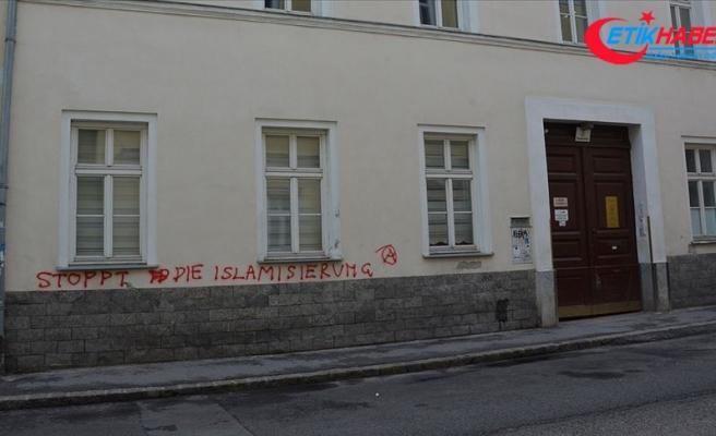 Avusturya'da geçen yıl 2 bine yakın ırkçı saldırı yaşandı