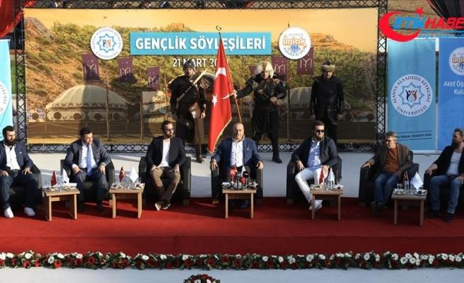 Bakan Çavuşoğlu, Diriliş Ertuğrul dizi ekibiyle söyleşiye katıldı
