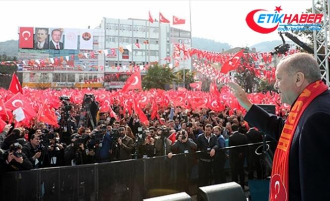 'Bay Kemal, terörün kaynağının İslam dünyası olduğunu nasıl söylersin?'