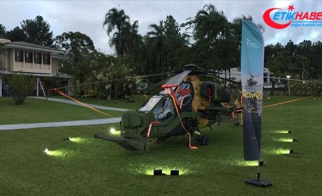 Brezilya'da Atak helikopteriyle gösteri uçuşu yapıldı