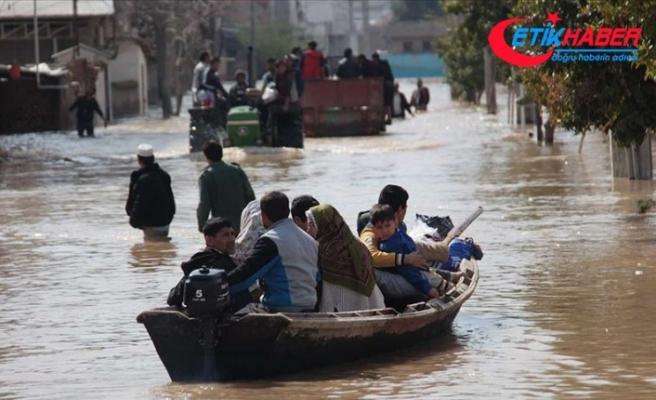 İran'da sel felaketinin ağır bilançosu