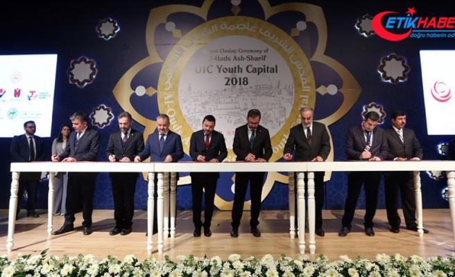 'İslam Dünyası Gençlik Başkenti' unvanını Doha devraldı