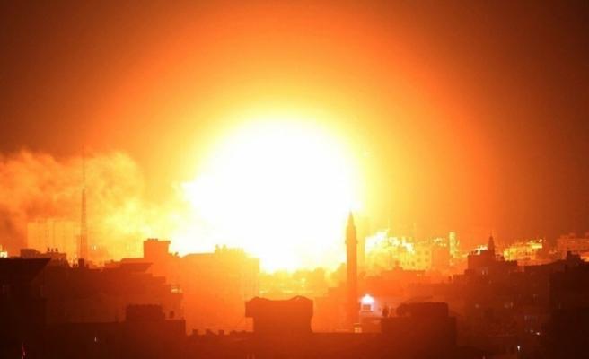 İsrail'den Gazze şeridinde 100 noktaya hava saldırısı