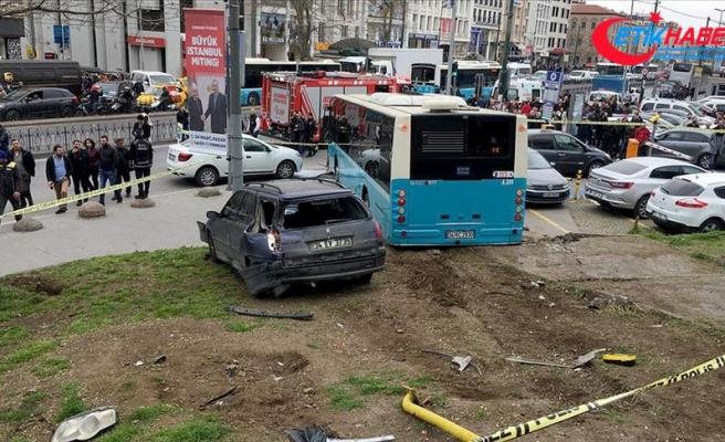 İstanbul'da halk otobüsü yaya yoluna girdi: 3 yaralı