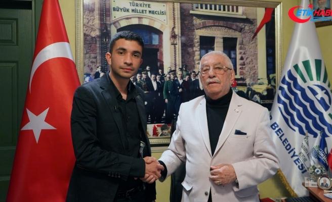 İstanbul'un en genç ile en yaşlı muhtar adayı buluştu