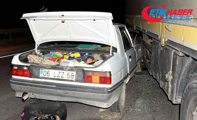 Kırıkkale'de otomobille TIR çarpıştı: 2 si çocuk, 4 yaralı