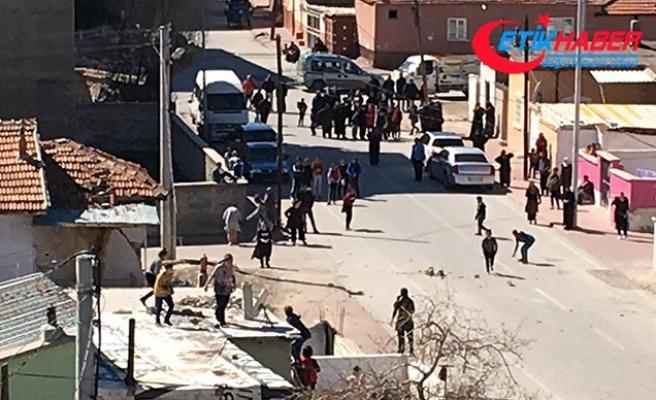 Konya'da komşular arasındaki taşlı kavga bugün de sürdü