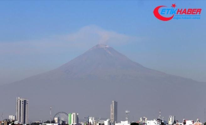 Meksika'da Popocatepetl Yanardağı'nda patlama