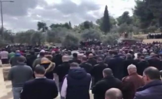 Mescid-i Aksa'da 40 bin kişilik gıyabi cenaze namazı
