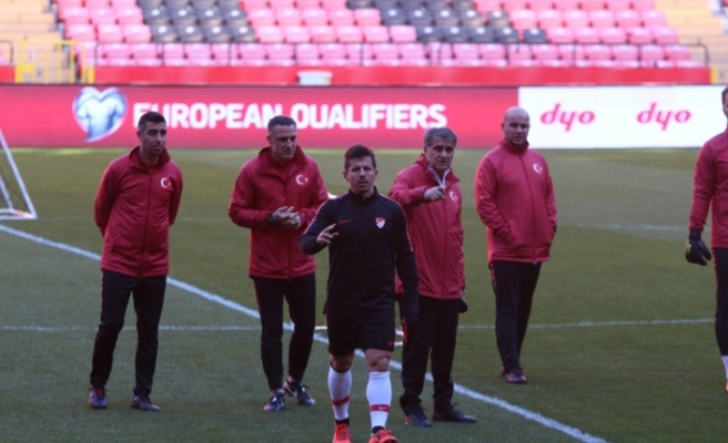 Emre Belözoğlu Arnavutluk maçında sakat sakat oynadı