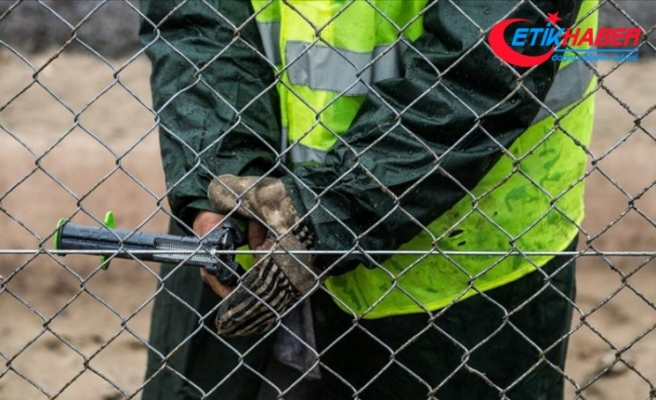 Pakistan-İran sınırına tel örgü çekilecek