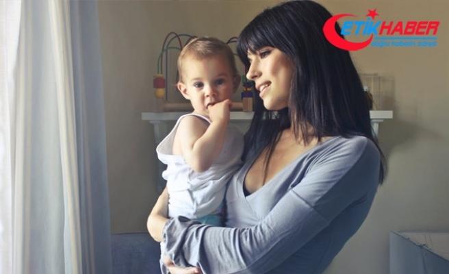Tek ebeveynli çocukların hayatında büyük değişiklikler yapılmamalı