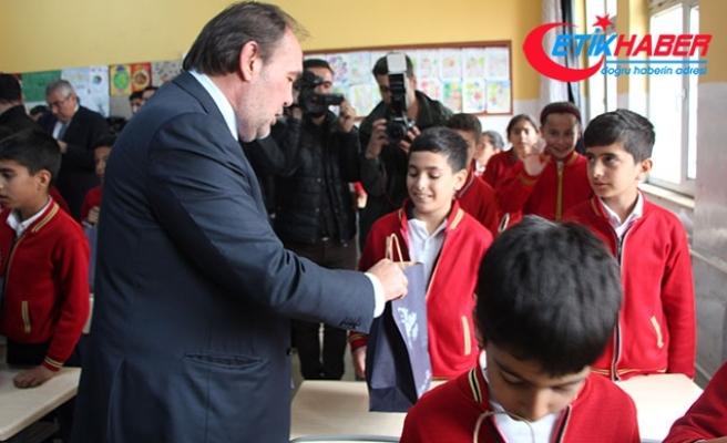 35 bin öğrenciye spor malzemesi desteği Gaziantep'ten başladı