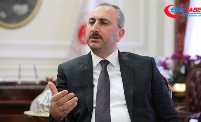 Adalet Bakanı Gül: Avukatlara şiddet savunma hakkına kasteden suçtur
