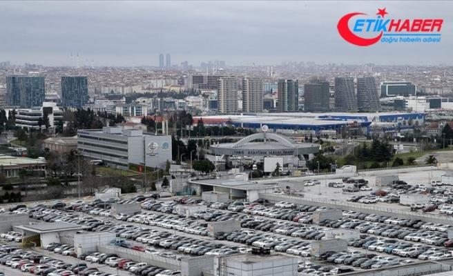 Atatürk Havalimanı'nda bırakılan araçlar sahiplerini bekliyor