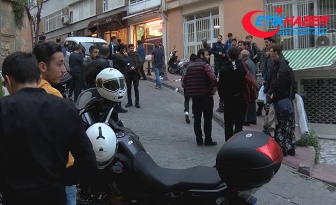 Beyoğlu'nda kavga: 3'ü öğrenci 4 kişi bıçaklandı