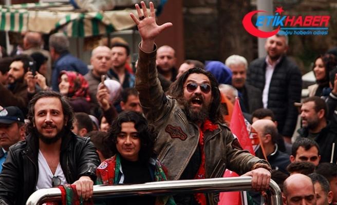 Bursa'da fetih yürüyüşünde Diriliş Ertuğrul oyuncularına yoğun ilgi
