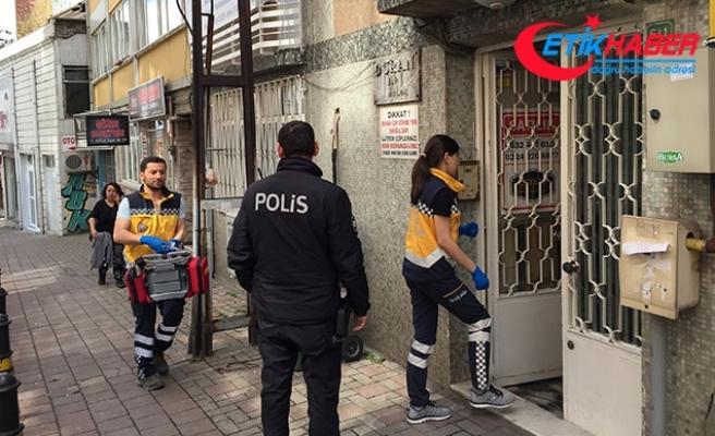 Bursa'da sokağa yayılan kötü koku, cesedi ortaya çıkardı