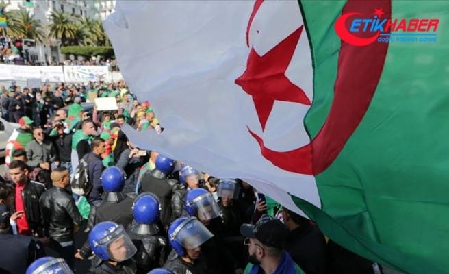 Cezayir'de Anayasa Konseyi Başkanı istifa etti
